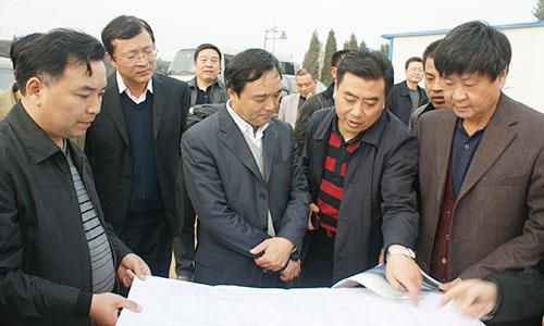 巩义市市长张春阳到巩义市产业集聚区调研指导工作