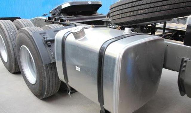 油箱料用铝板用什么合金?5052铝板生产厂家解答。